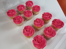 Cupcakes, Roses, Robotic Decorating