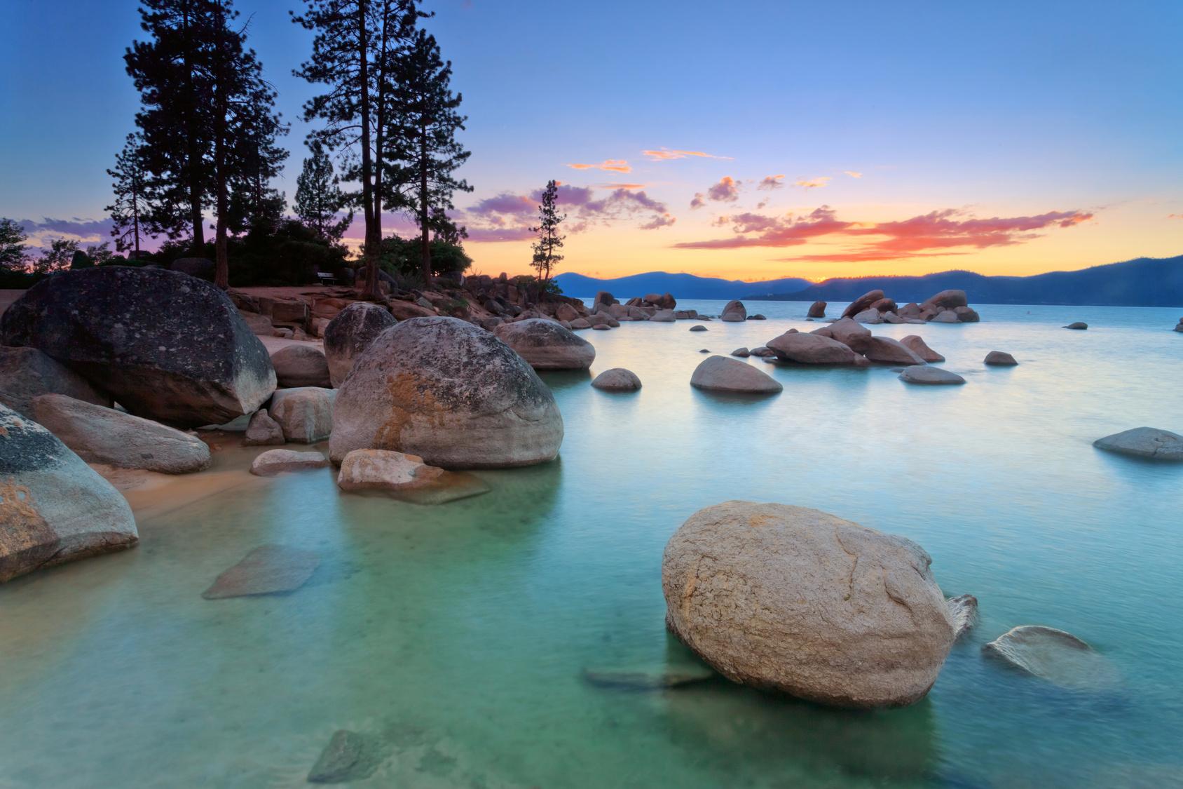 Beautiful Lake Tahoe In California S Sierra Nevada Mountains Photo Mariusz Blach Fotolia