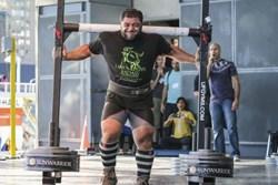 Patrik Baboumian Breaks Record