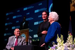 Sheikha Moza and President and Mrs. Bush