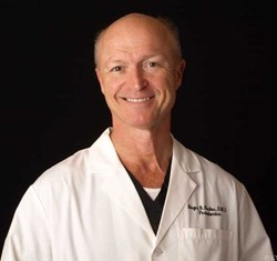 Dr. Roger B. Parkes is a periodontist in Jackson, MS.