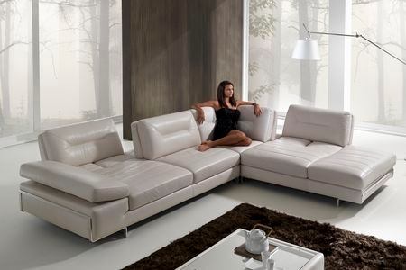 Italydesign Com Announces Their Sofa Sale With Dramatic
