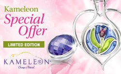 Image of Kameleon Limited Edition Pendant with two JwelPops