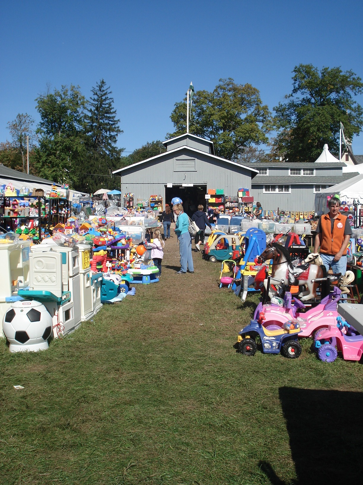 Nj S Largest Rummage Sale Takes Place October 4 6