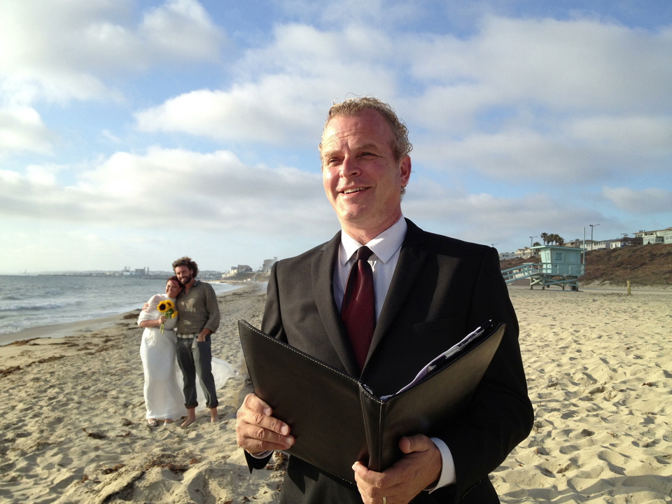 Angeles Wedding Officiant Chris Robinson Robinson Was The Officiant