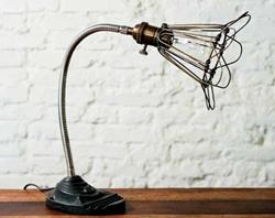 Nuevo Living HGDA154 - vs19c desk lamp flexible in brass/chrome, metal