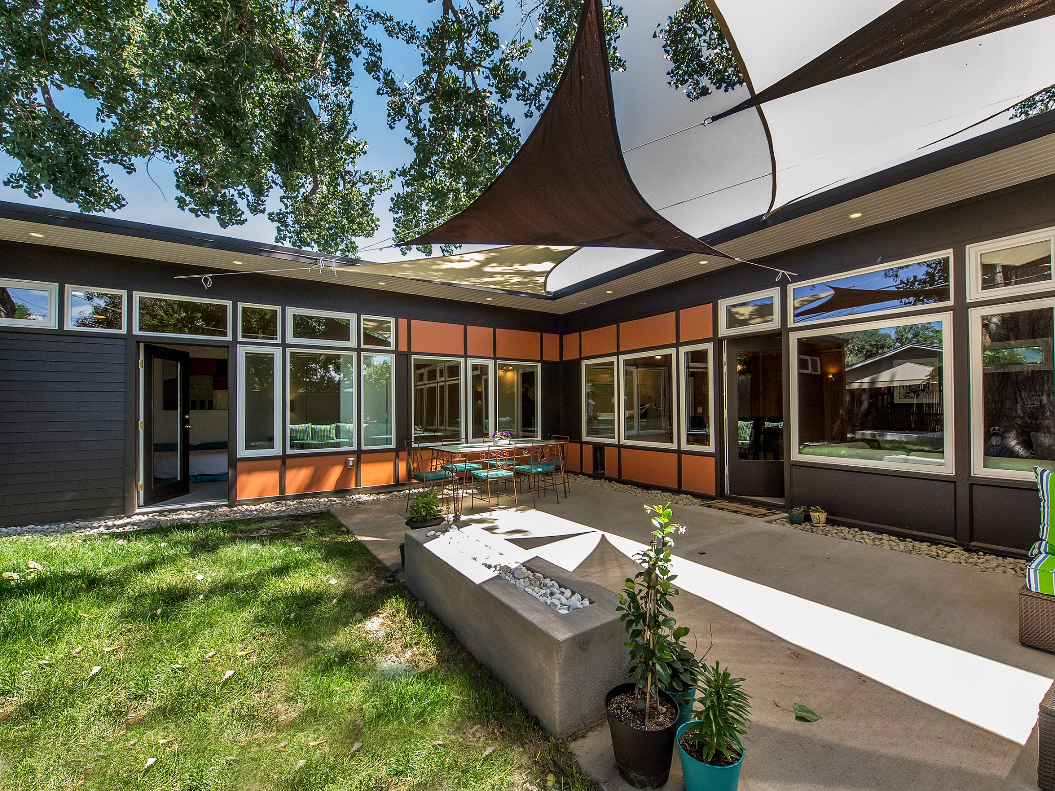 Explore modern architecture in denver this weekend for Modern homes in denver