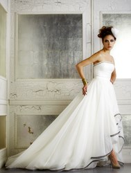 Fashion designer Della Giovanna launches inaugural Fall 2014 bridal gown collection
