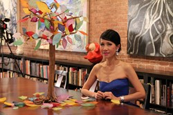Chiu-Ti Jansen Taking SINOVISION Interview at Her Studio