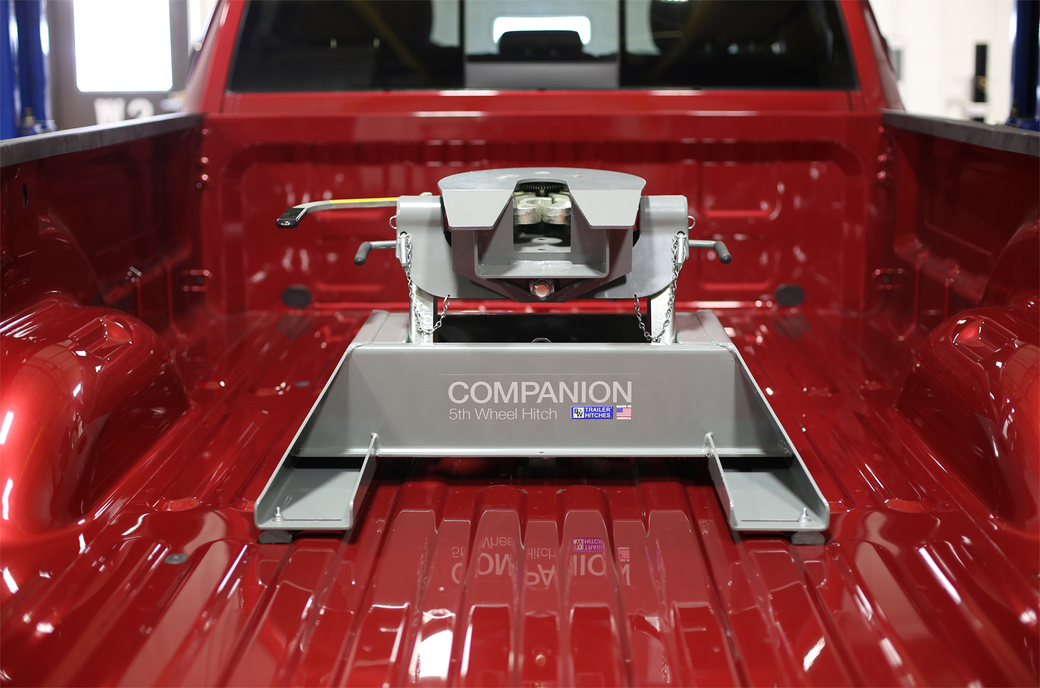 Truck Trailer Hitch >> B&W Trailer Hitches Boosts Load Capacity of Whisper-Quiet Companion Fifth Wheel Hitch to 20,000 ...