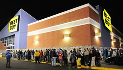 Black Friday Lines Outside of Best Buy