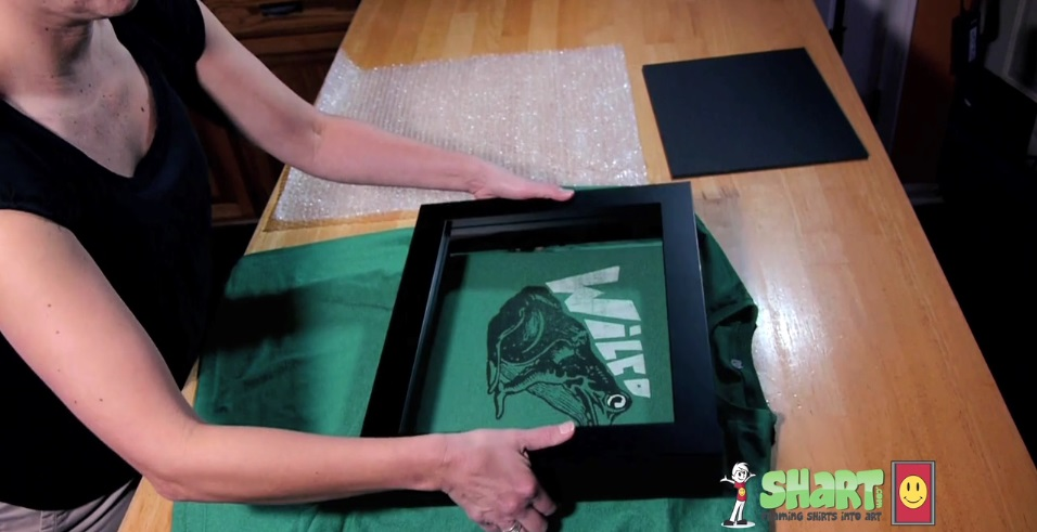 how to frame a shirt shart step 3place the frame over your t shirt and shart foam insert and squeeze together