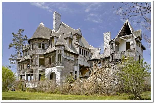top 10 haunted homes for sale happy halloween from ForFamous Haunted Houses For Sale