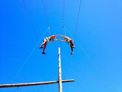 Pasadena private high school students perform team-building exercises on high ropes