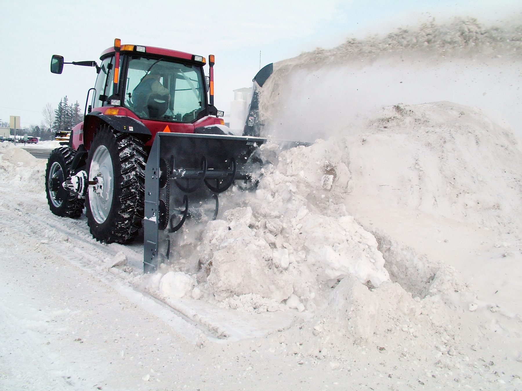 Industrial Snow Blowers : Loftness introduces line of industrial duty snow blowers