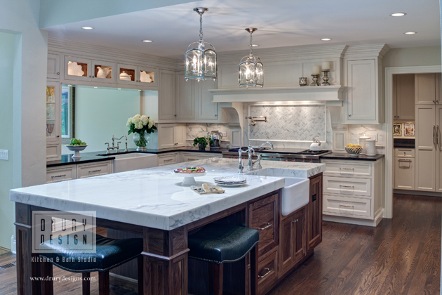 Fresh Traditional Aurora IL Kitchen DesignDesigned By Janie Teague, CKD,  CBD, Of Drury Design In Glen Ellyn, This Kitchen Won First Place, Large  Kitchen, ...