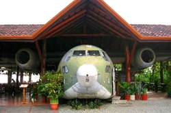 El Avion Restaurant