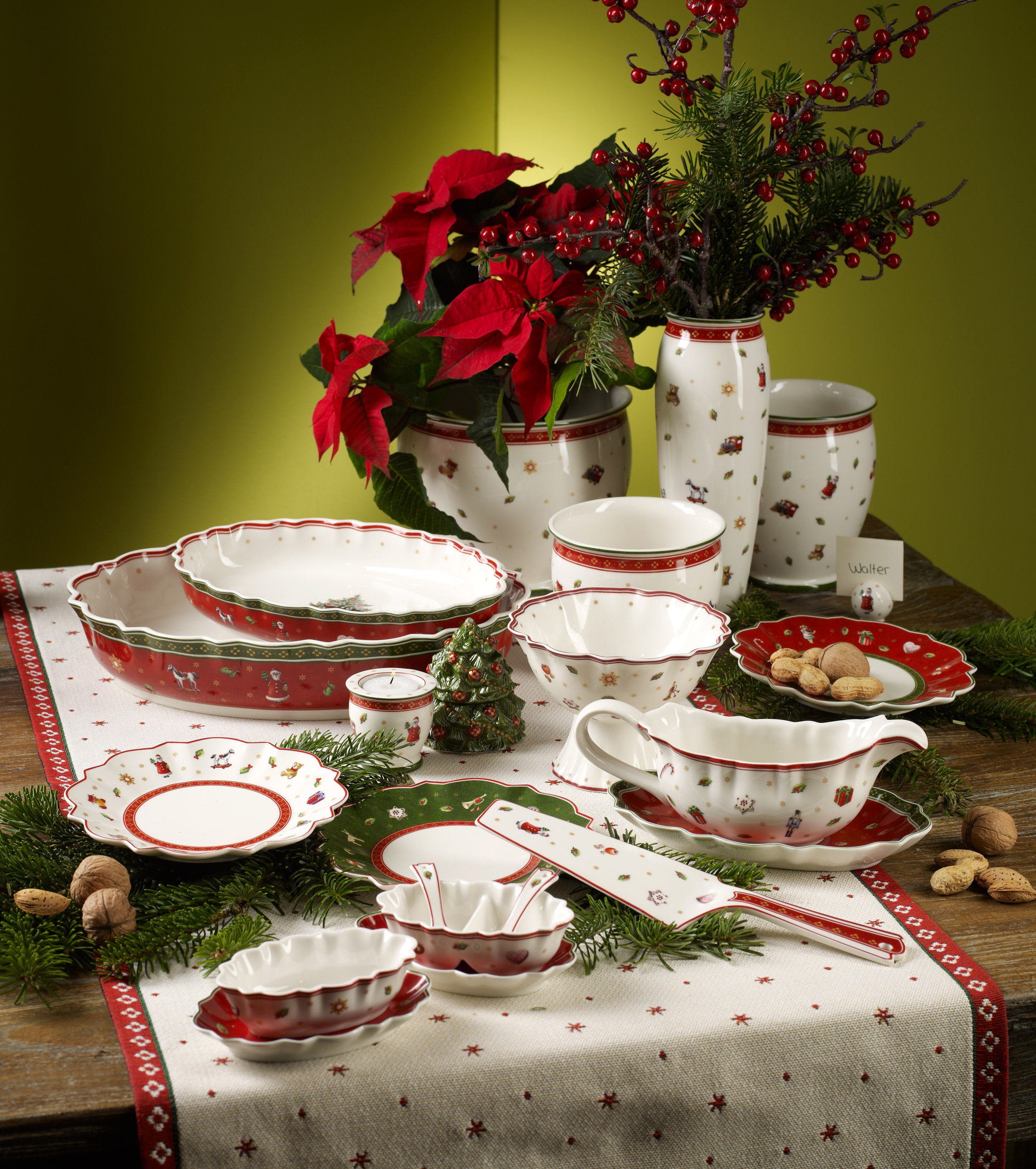 39 tis the season for holiday dinnerware from villeroy boch. Black Bedroom Furniture Sets. Home Design Ideas