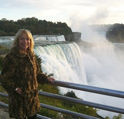 Jayne visits Niagara Falls