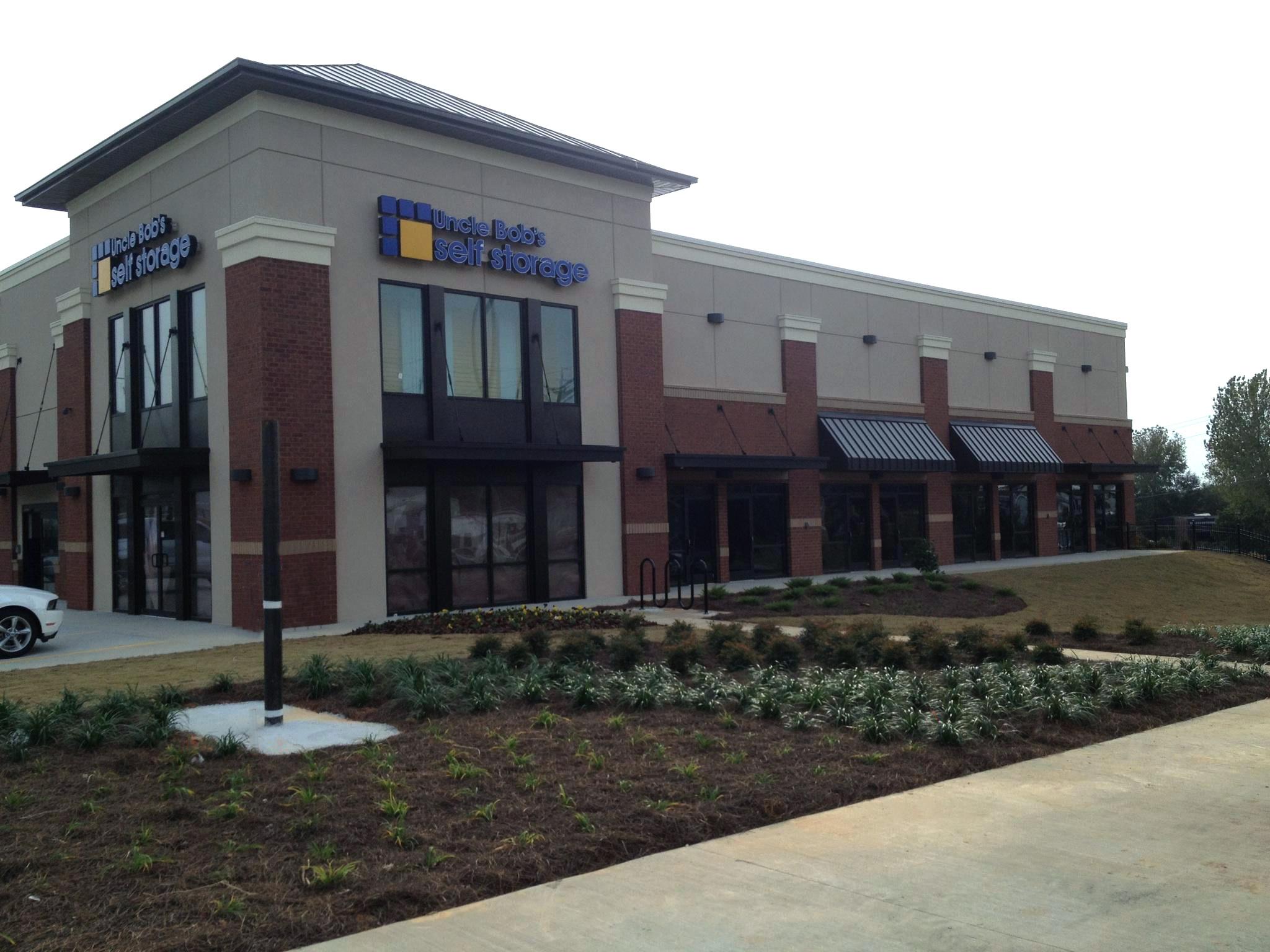 Uncle Bob S Self Storage 174 Opens New Facility In Atlanta Ga