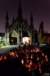 "Hundreds of New Yorkers arrive at the 175-year-old Green-Wood Cemetery by candlelight for secret theater/event ""happening"" on Dia De Muertos, Day of The Dead."