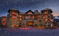 Fairmont Heritage Place Franz Klammer Lodge Winter Lodge in Telluride with Snow