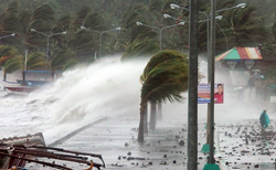 Typhoon Haiyan,storm surge,destructive storms,Haiyan destruction,climate change storms