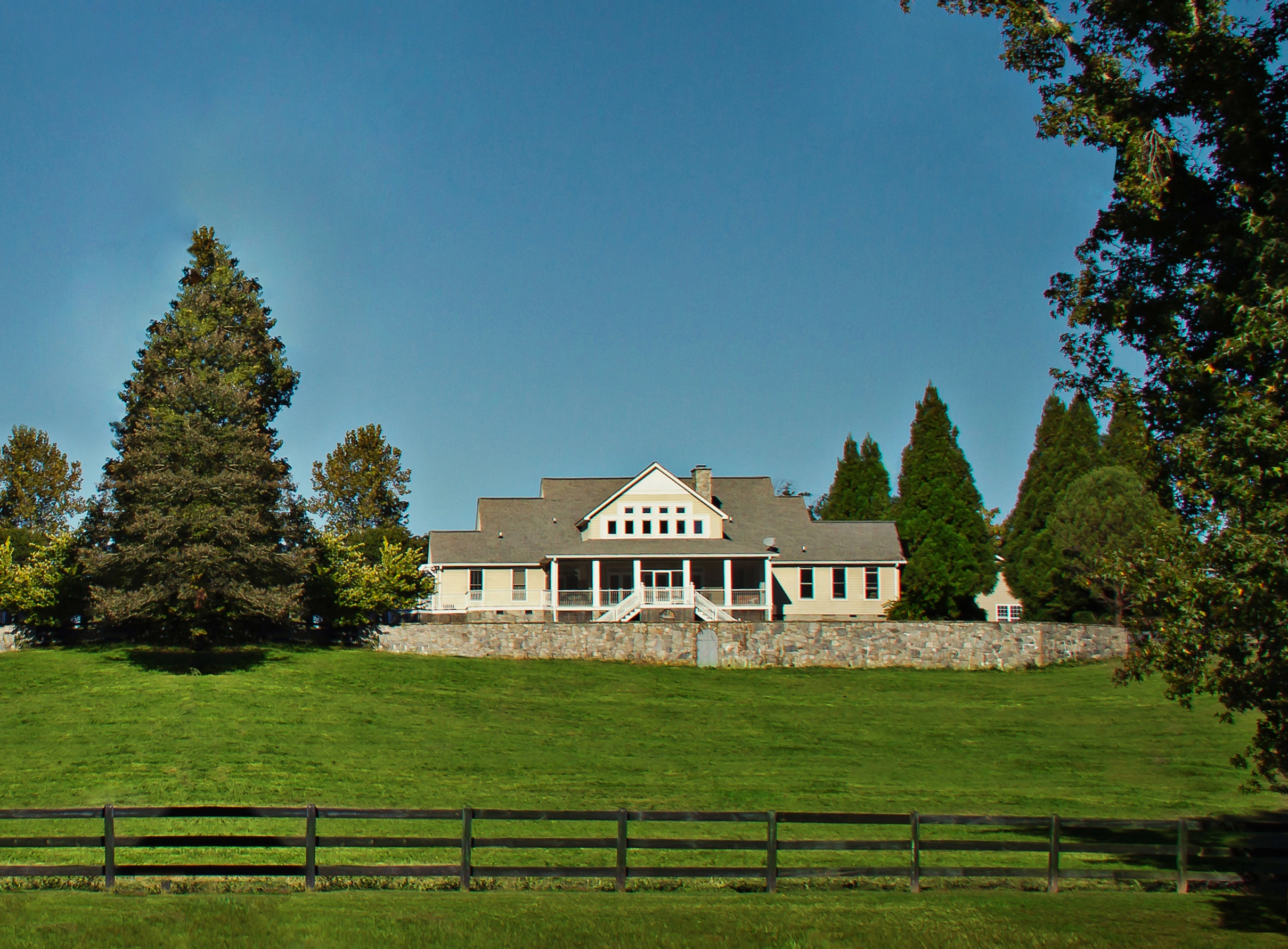 Online Auction For Picturesque Equestrian Farm In South