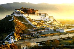 Potala Palace is the landmark of Lhasa