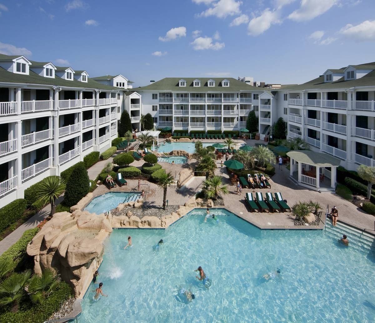 Reges Oceanfront Resort Home: Guests Save Up To 40% With Virginia Beach Vacation Rentals
