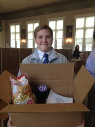University School Thanksgiving food drive