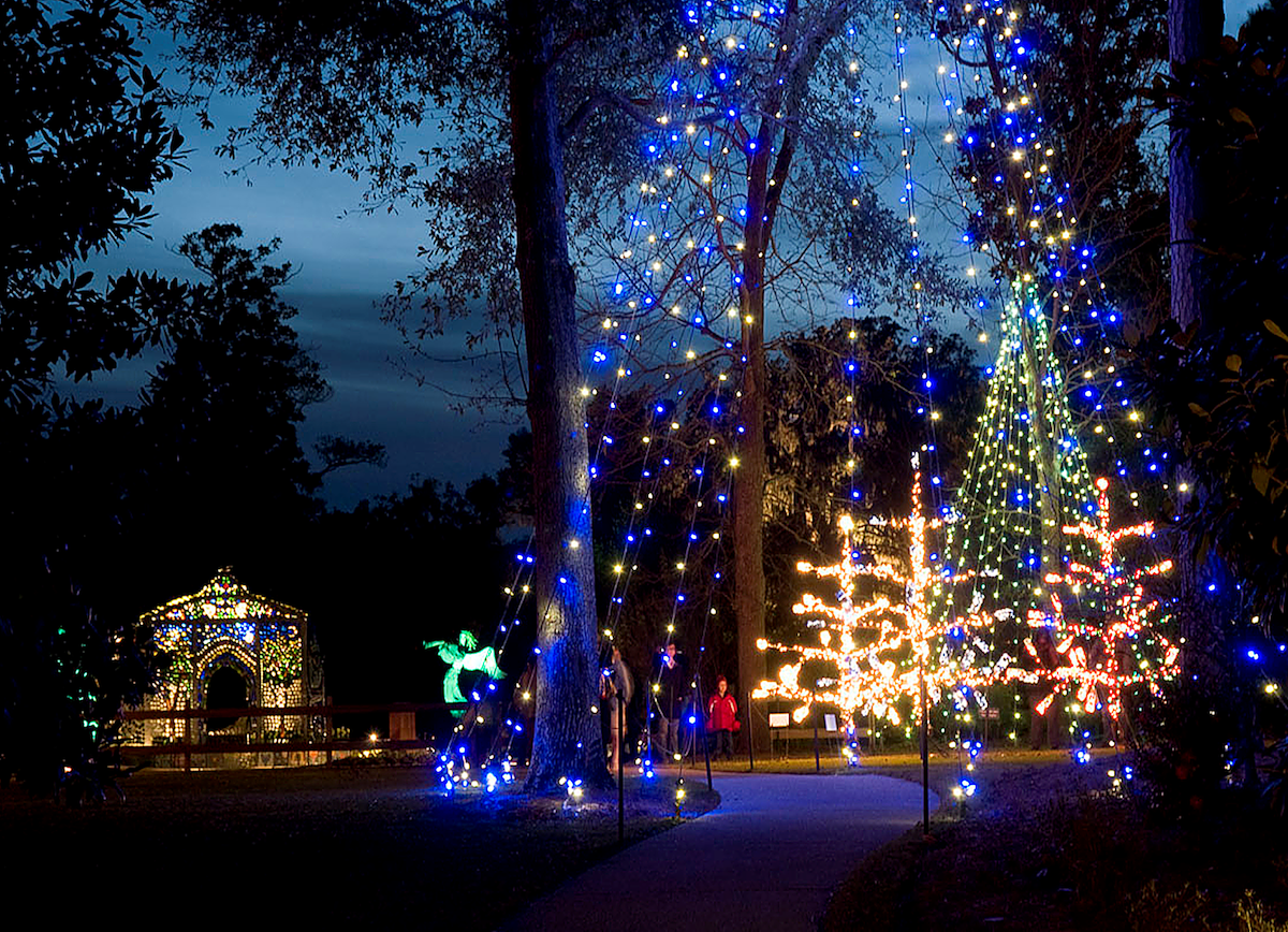 Enchanted Airlie Gardens A Magical Place To Visit In North Carolina For The Holidays