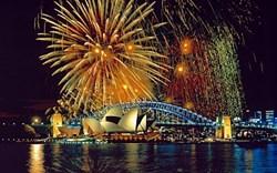 sydney harbor fireworks