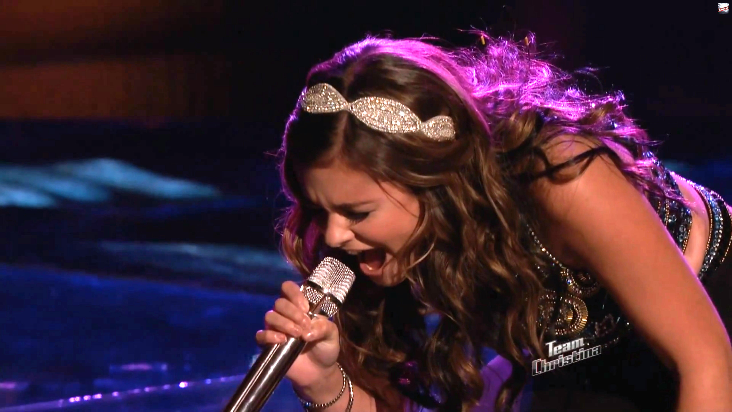 Jacquie lee wears bridget style headband by bbt style on quot the voice