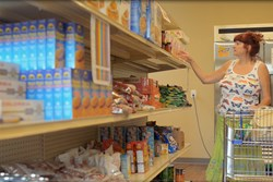Jewish Family Service food pantry