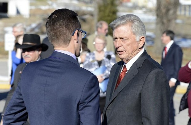 Hamilton scientific s epoxyn products visited by governor mike beebe