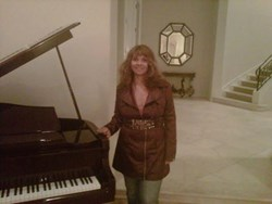 """On January 1st, 2014 Janice Dison, a creative entrepreneur, will officially open """"The Starmaker"""""""