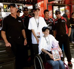 CHC patient Jennifer Dalkowski and NASCAR driver Jeff Gordon and crew.