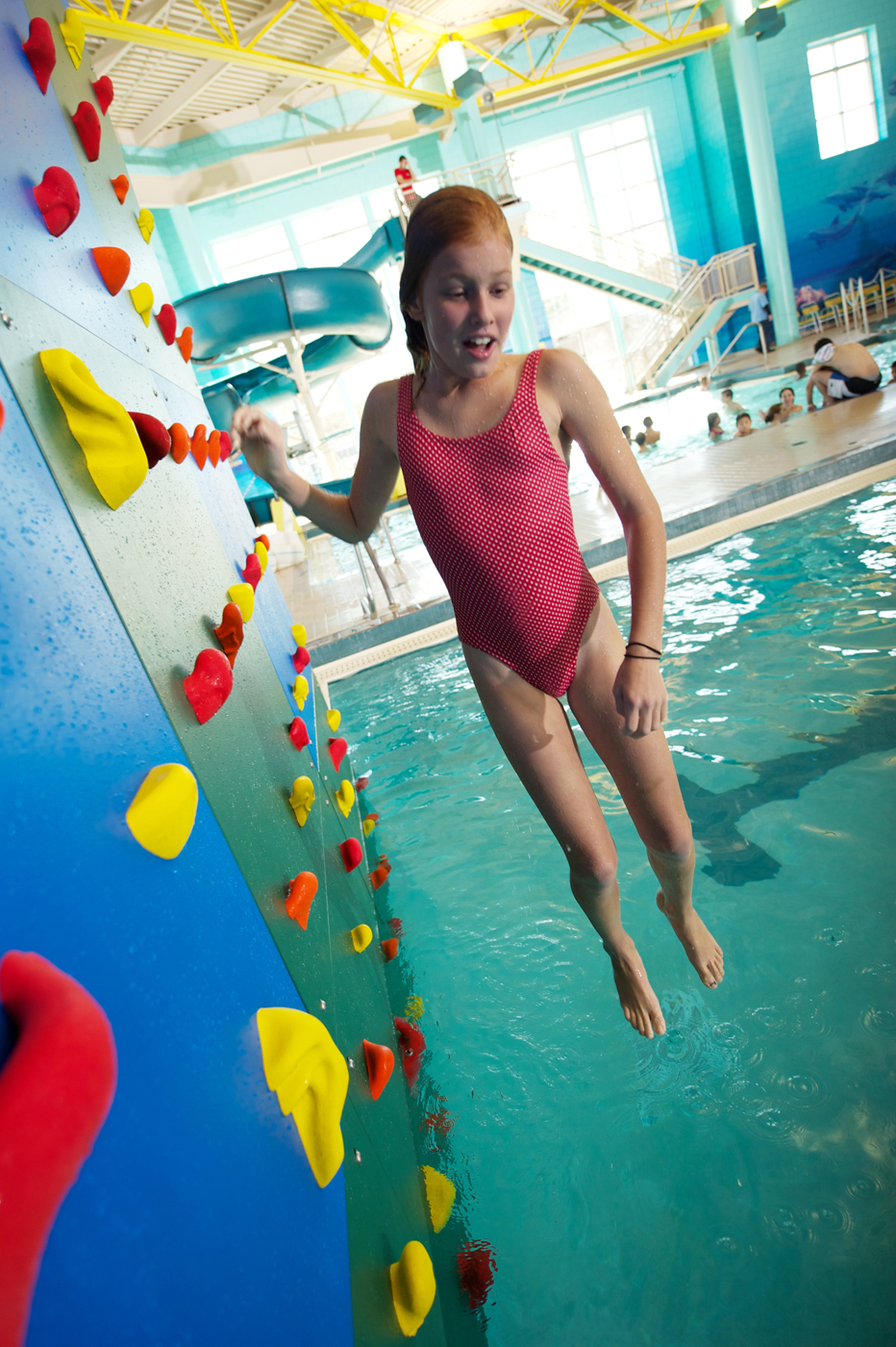Kersplash pool climbing walls set to make a splash at the for Pool show in atlantic city