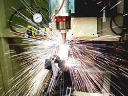 IPG Photonics YLS-4000 continuous wave Ytterbium fiber laser