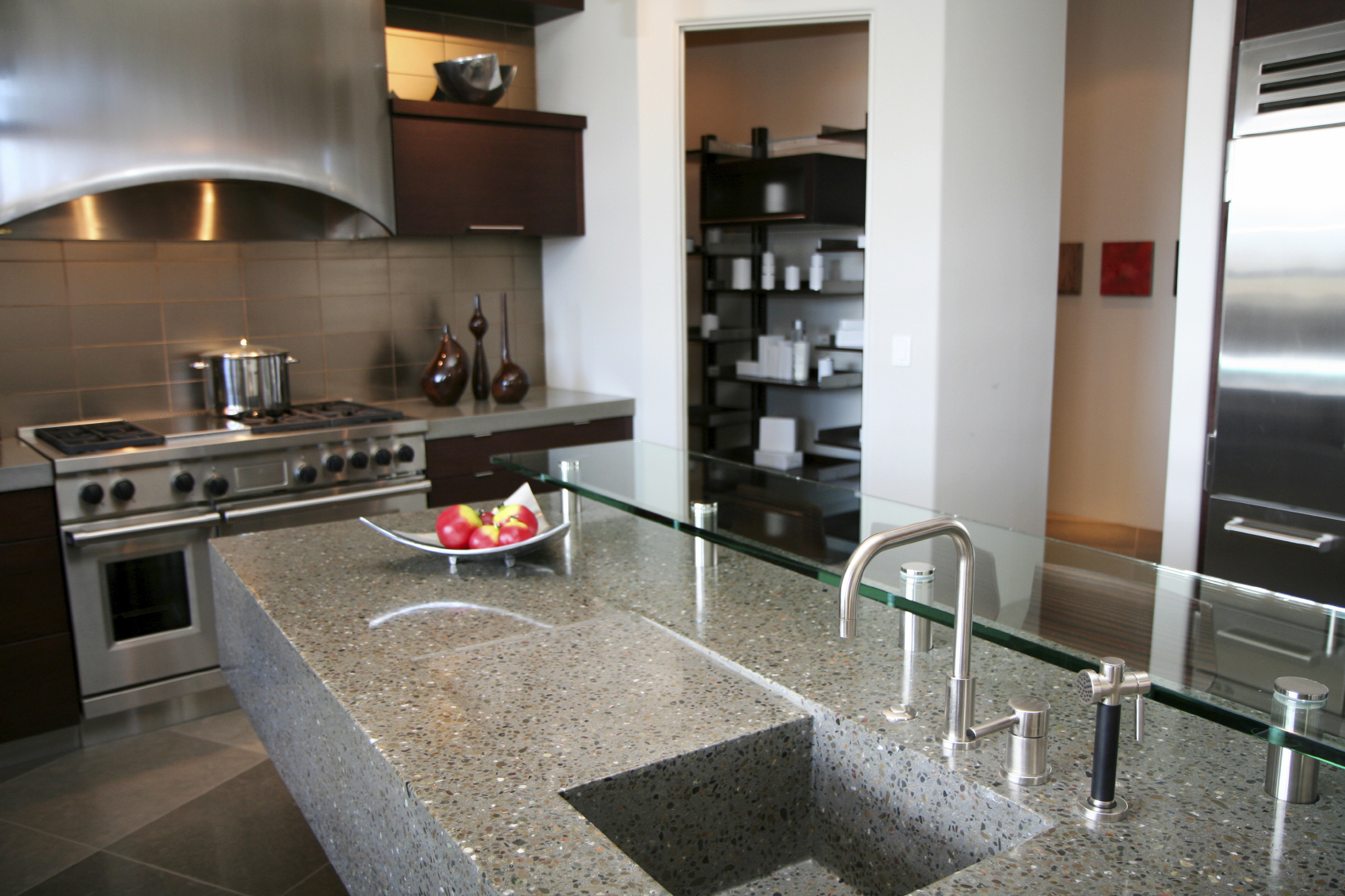 Oven cleaning specialist and principal of redlands oven for Oven cleaner on kitchen countertops