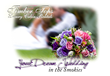 bouquet with couple blurred in background