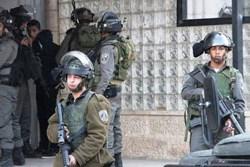 Israeli soldiers arrest Palestinian teen