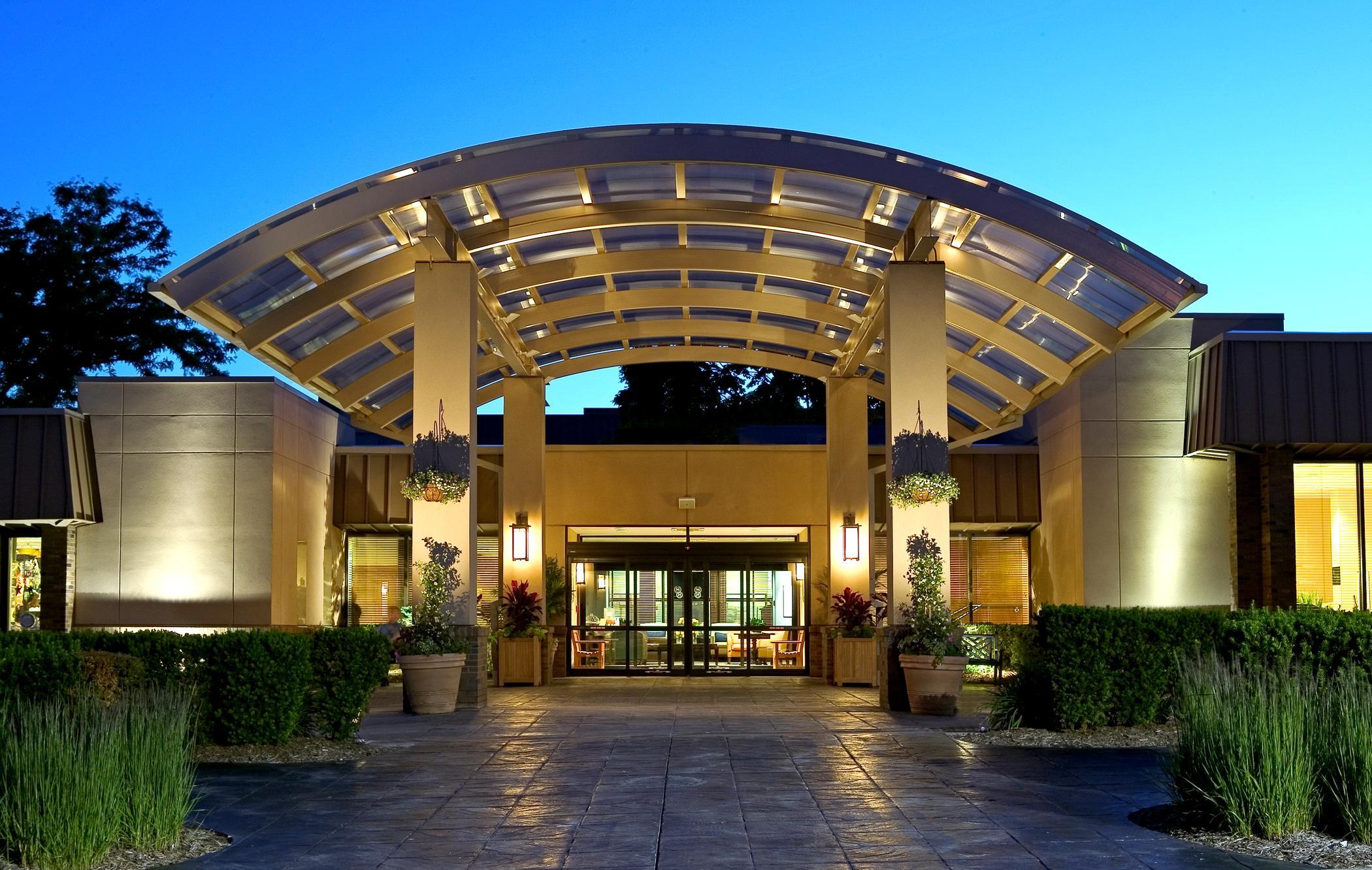 Sheraton Milwaukee Brookfield Hotel Unveils Multi Million Dollar Transformation
