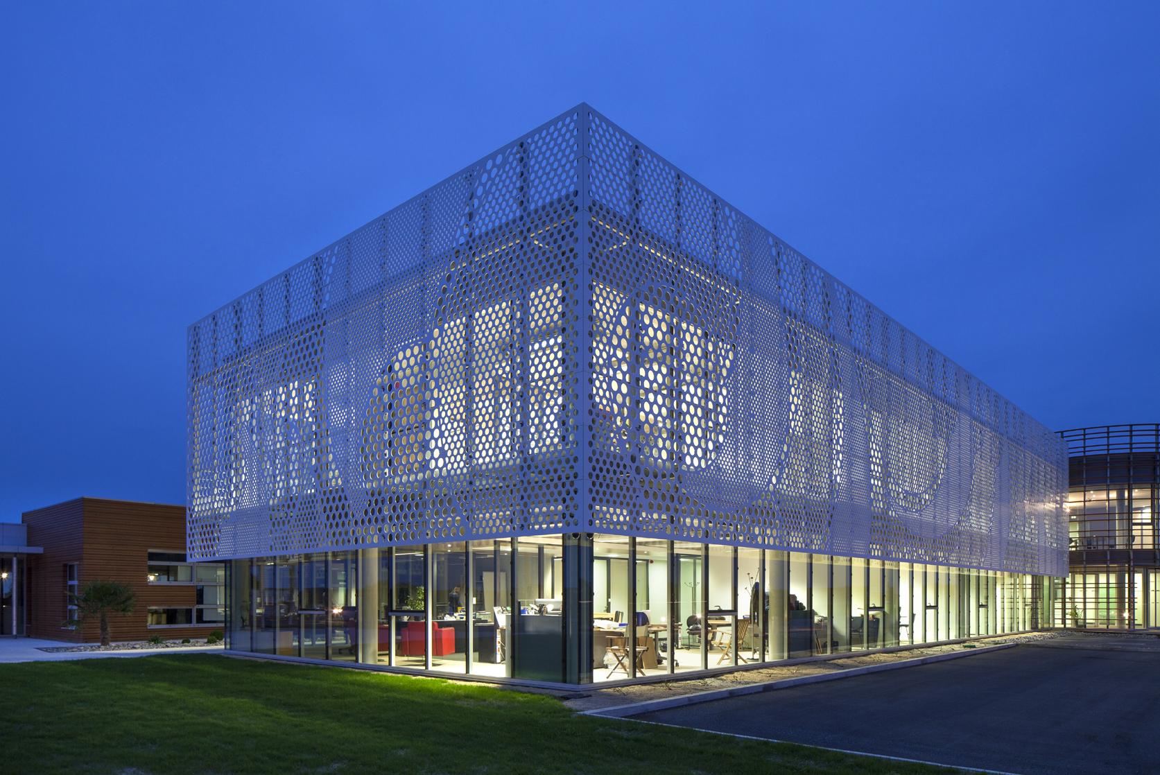 Beneteau S Headquarters Fa 231 Ade Completed With Hi Macs