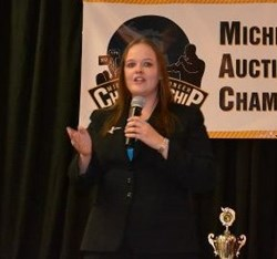 Laura Mantle, Auctioneer, Michigan