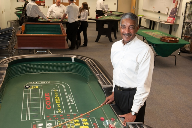 from dealer school to casino dealer plenty are finding jobs