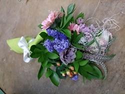 urbanstems-seasonal-bouquet