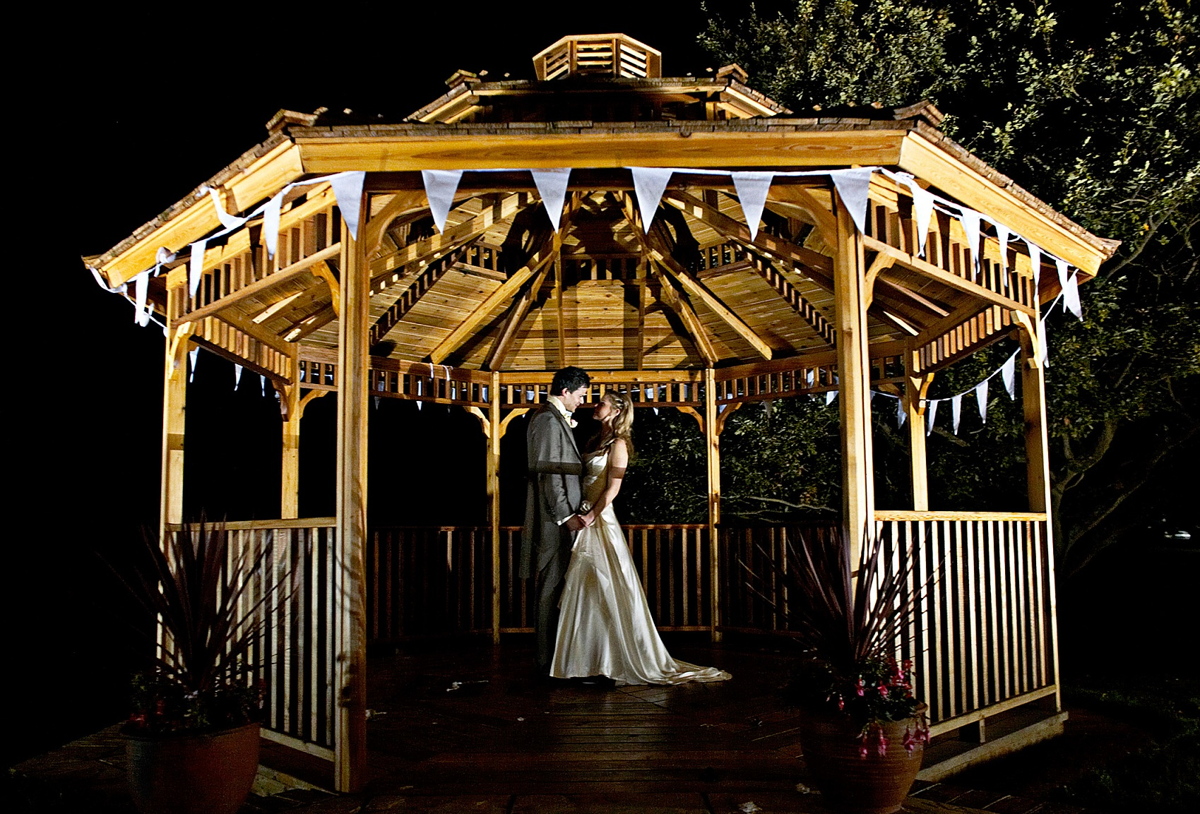 Bright Ideas For Lighting An Outdoor Wedding, From The