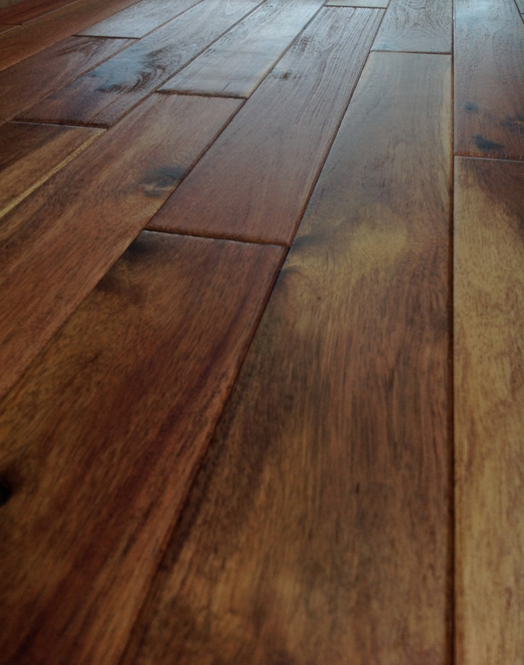 Johnson hardwood kicks off springtime with solid wood for Real oak hardwood flooring